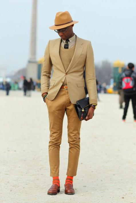 Chọn tất màu phải kèm với giày nổi bật